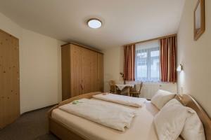 apartment-kleinarl-obstgartenblick